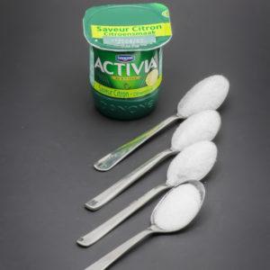 1 Activia saveur citron contient 3,3 cuil. à café de sucre