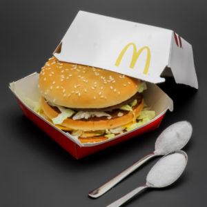 1 Big Mac contient 1,7 cuil. à café de sucre soit 8,5g