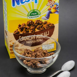 45g de crunchy muesli Nesquik contiennent près de 1,9 cuil. à café de sucre