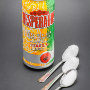 1 Desperados de 50cl contient 2,2 cuil. à café de sucre soit 11g