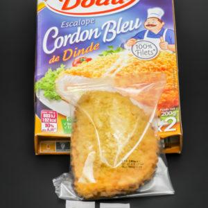 1 escalope cordon bleu de dinde Père Dodu contient 2,25 dosettes de sel soit 1,8g
