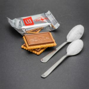1 sachet de 2 Petit Ecolier de Lu contient 2 cuillères à café de sucre