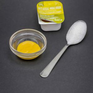 1 petit pot de sauce moutarde McDonald's contient de 1 cuil. à café de sucre