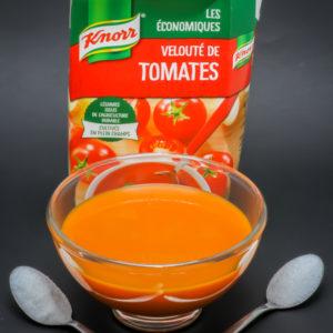 25cl de velouté de tomates Knorr contiennent 1,7 cuil. à café de sucre