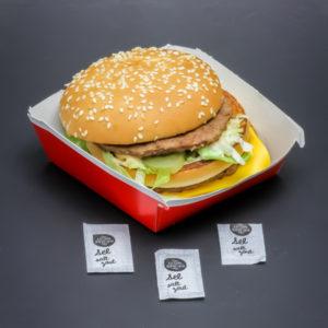 1 Big Mac de McDonald's contient 2,75 dosettes de sel soit 2,2g
