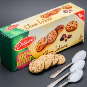 4 biscuits Choco Intense Delacre contiennent 2,1 cuil. à café de sucre soit 10,8g