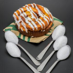1 cinnamon roll de Starbucks contient 4,5 cuil. à café de sucre soit 22,3g