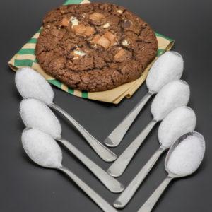 1 cookie 3 chocolats Starbucks contient 6,2 cuil. à café de sucre soit 31g