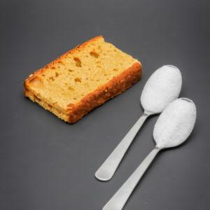 1 tranche de pain d'épices contient 1,8 cuil. à café de sucre soit 9,2g