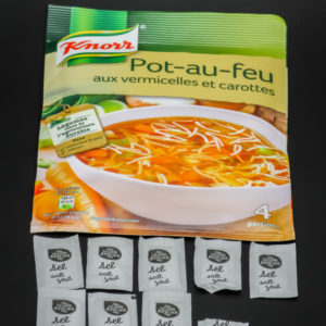 1 sachet de pot-au-feu pour 4 portions Knorr contient 8,5 dosettes de sel soit 6,8g