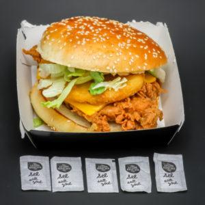 1 sandwich Tower Original KFC contient 5 dosettes de sel soit 4g