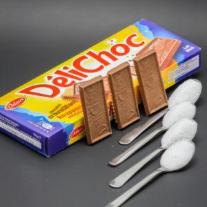 3 DéliChoc de Delacre contiennent 3,6 cuil. à café de sucre soit 18g