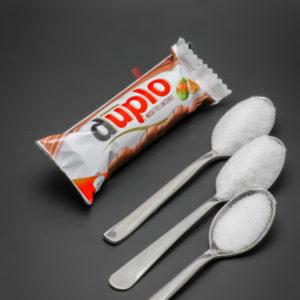 1 Duplo de Ferrero contient 2,2 cuil. à café de sucre soit 10,9g