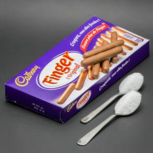 5 Finger de Cadbury Original contiennent 2 cuil. à café de sucre soit 10g