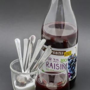 25cl de jus bio de raisin Paysans d'Ici contiennent 7,5 cuil. à café de sucre soit 37,5g