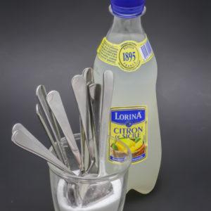 42cl de limonade au citron Lorina contiennent 9,8 cuil. à café de sucre soit 49g
