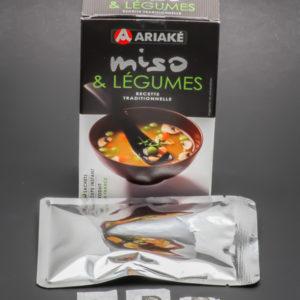 1 sachet de miso & légumes Ariaké contient 2,75 dosettes de sel soit 2,2g