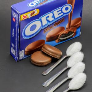 2 Oreo Milk Choc contiennent 3,9 cuil. à café de sucre soit 19,5g