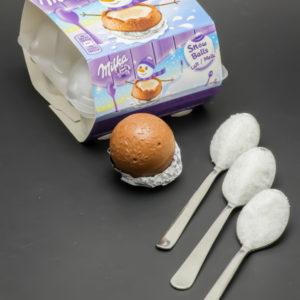 1 Snow Ball Milka contient 3 cuil. à café de sucre soit 15g
