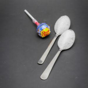 1 sucette Chupa Chups contient 2 cuil. à café de sucre soit 10g
