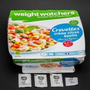 1 barquette de pâtes aux légumes et crevettes Weightwatchers contient 3,6 dosettes de sel soit 2,9g