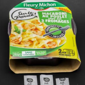 1 barquette de macaroni au poulet Fleury Michon contient 2,75 dosettes de sel soit 2,2g