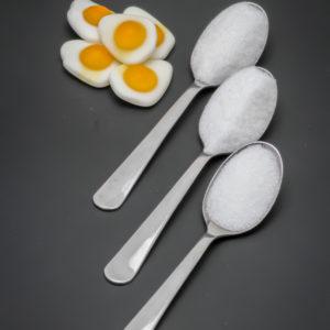 5 oeufs au plat de Haribo contiennent 2,4 cuil. à café de sucre soit 12g