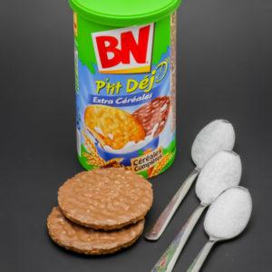 2 BN P'tit Déj contiennent 2,5 cuil. à café de sucre soit 12,4g