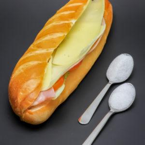 1 sandwich viennois mixte crudités Paul contient 1,5 cuil. à café de sucre soit 7,3g
