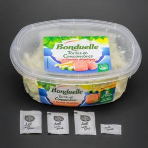 1 barquette de tortis et concombre au saumon Bonduelle contient 3,4 dosettes de sel soit 2,7g