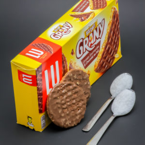 2 biscuits Grany de Lu contiennent 2 cuil. à café de sucre soit 10g