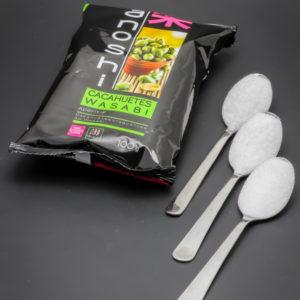 1 sachet de cacahuètes wasabi Tanoshi contient 2,8 cuil. à café de sucre soit 14g