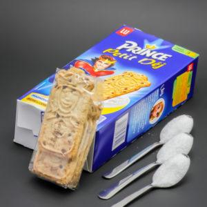 1 sachet de Prince Petit Déj de Lu contient 2,9 cuil. à café de sucre soit 14,4g