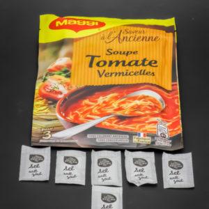 1 sachet de soupe tomate vermicelles pour 3 Maggi contient 6 dosettes de sel soit 4,8g