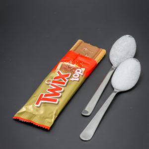 1 Twix Top contient 1,6 cuil. à café de sucre soit 7,9g