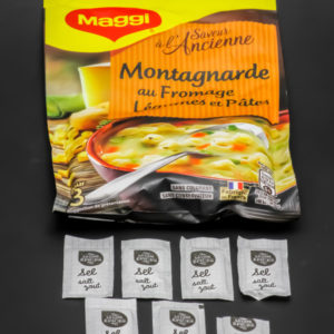 1 sachet de Montagnarde au fromage Maggi pour 3 contient 6,75 dosettes de sel soit 5,4g