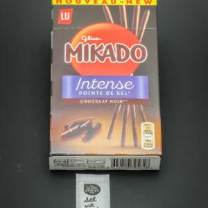 1 boite de Mikado Intense pointe de sel de Lu contient 1,1 dosettes de sel soit 0,9g
