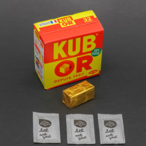 1 Kub Or Maggi contient 3 dosettes de sel soit 2,4g