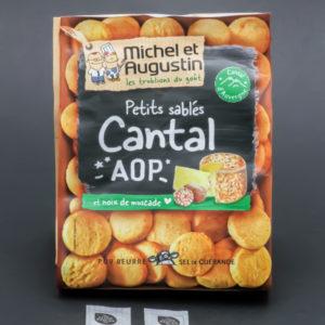 1 sachet de 100g de petits sablés cantal Michel et Augustin contient 2,5 dosettes de sel soit 2g