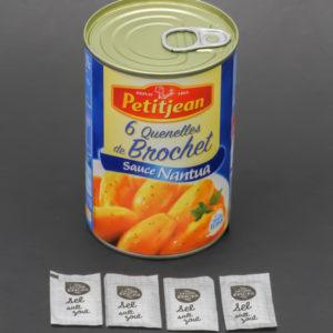 1 boite de quenelles de brochet Petitjean contient 4,5 dosettes de sel soit 3,6g