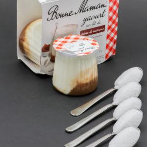 1 yaourt sur lit de crème de marrons Bonne Maman contient 4,8 cuil. à café de sucre soit 23,8g